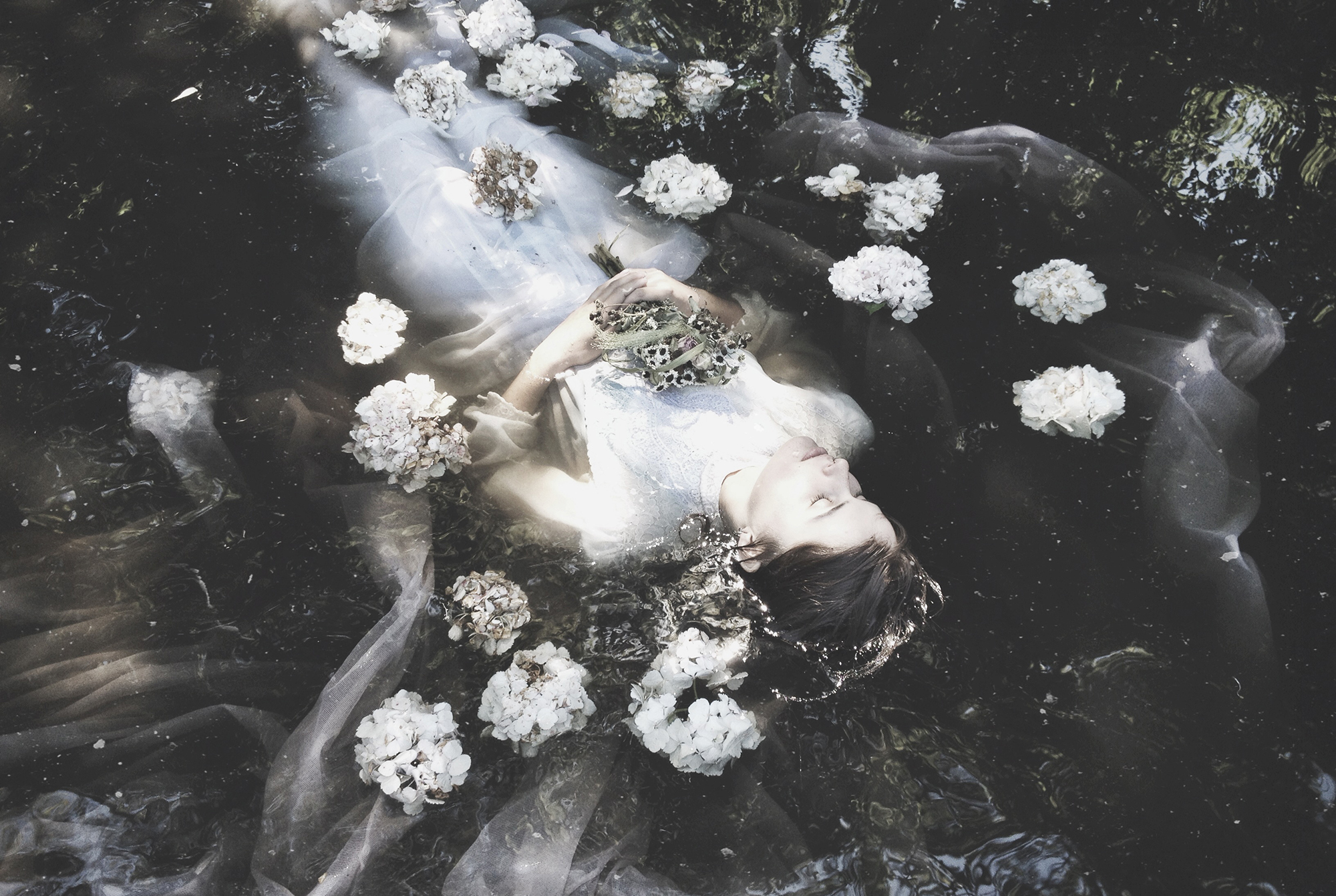 nona_limmen_acourseindying_3