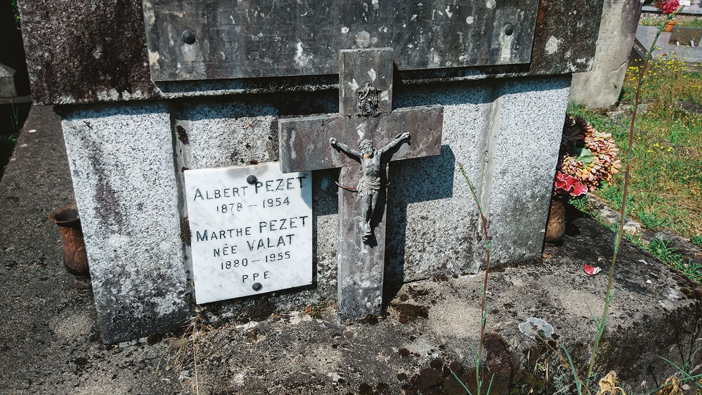 acourseindying_camburat_france_cemetery_08