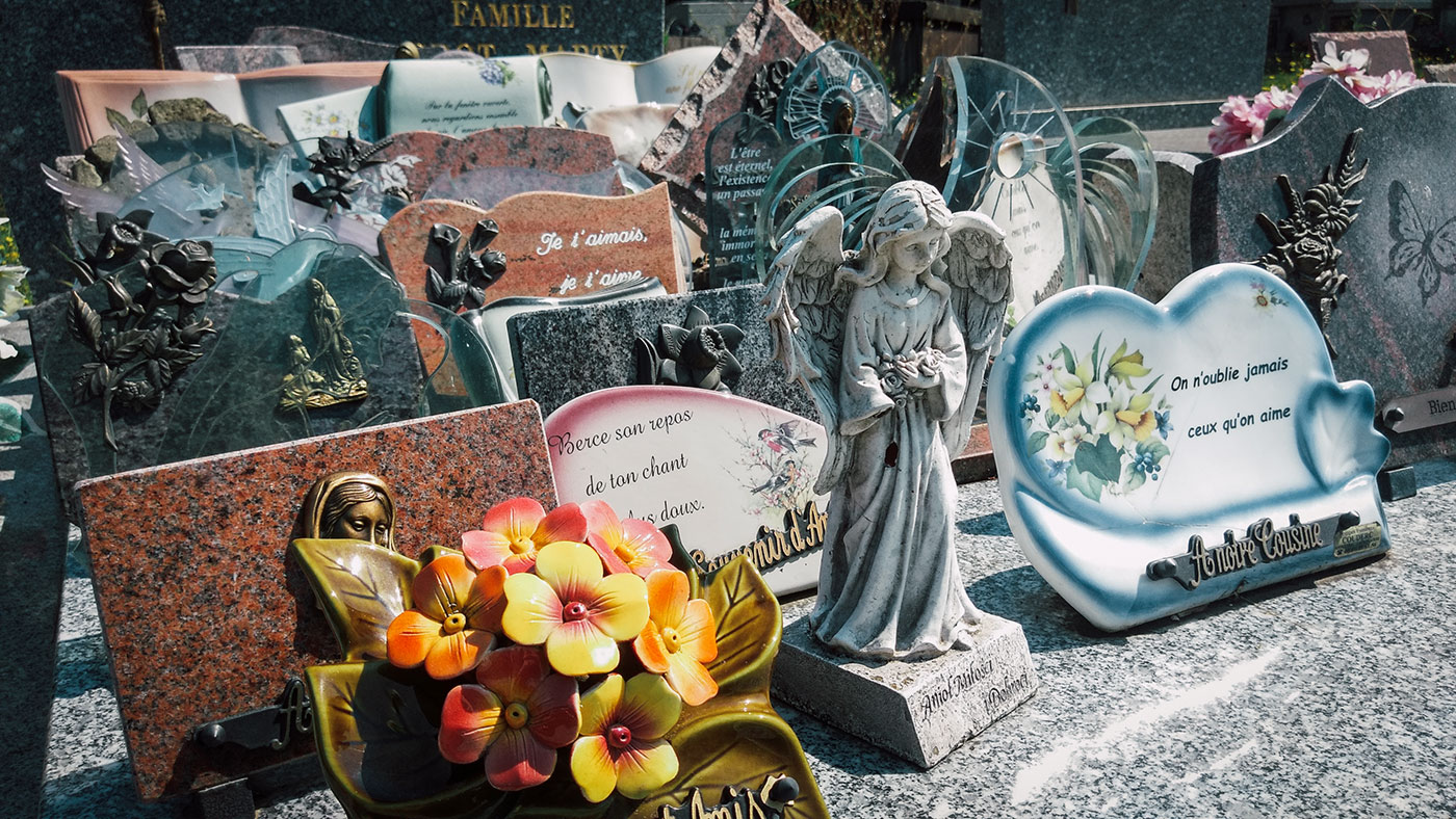 acourseindying_camburat_france_cemetery_20