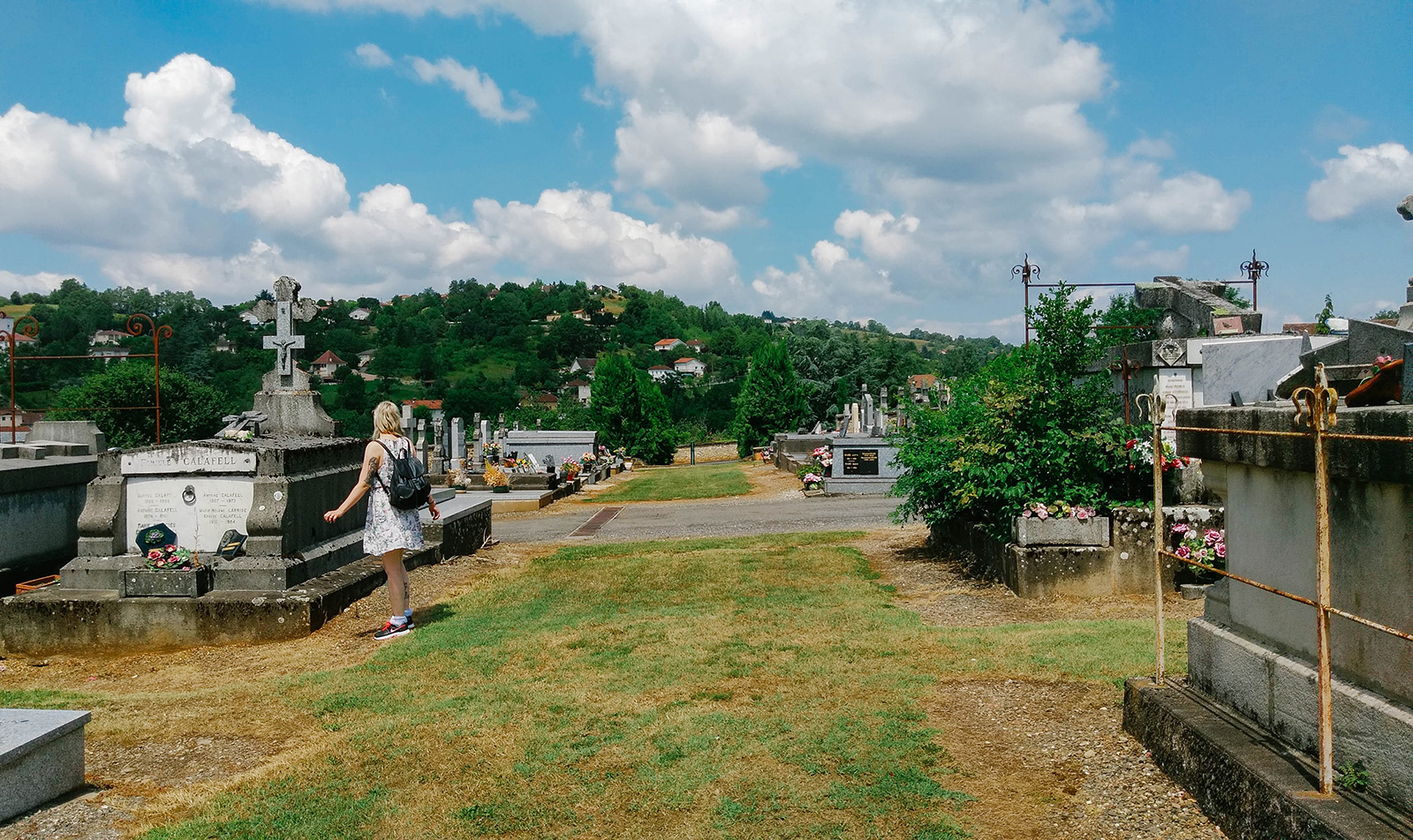 acourseindying_figeac_cemetery_04